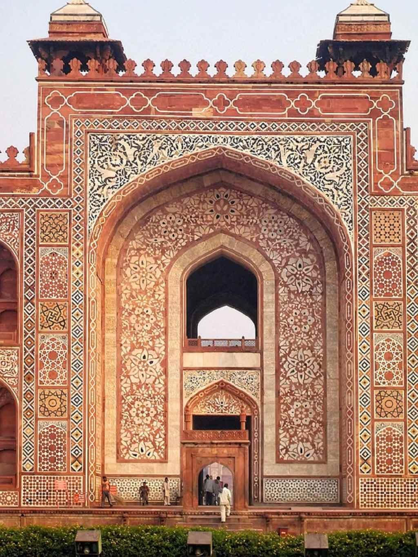 Akbar's Tomb Tourist Place