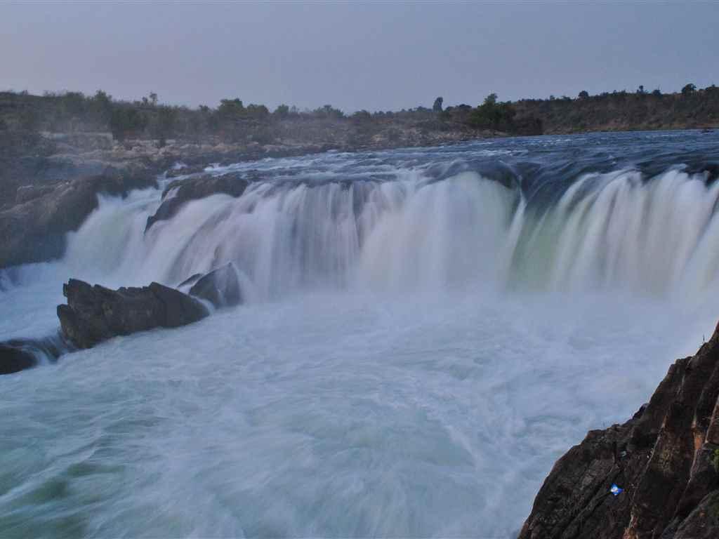 Dhuandhar Falls in Jabalpur