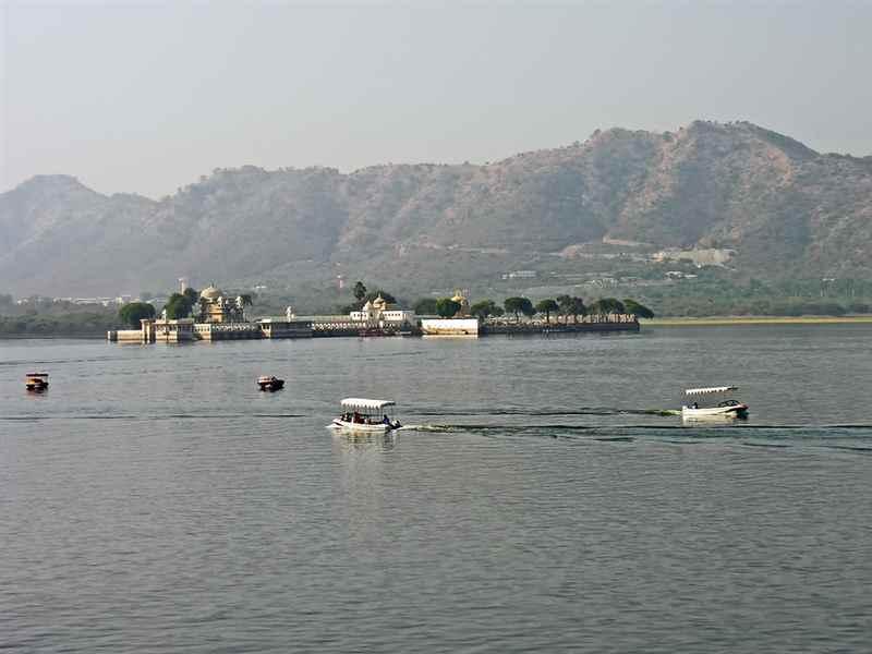 Lake Pichola Boat Ride in India
