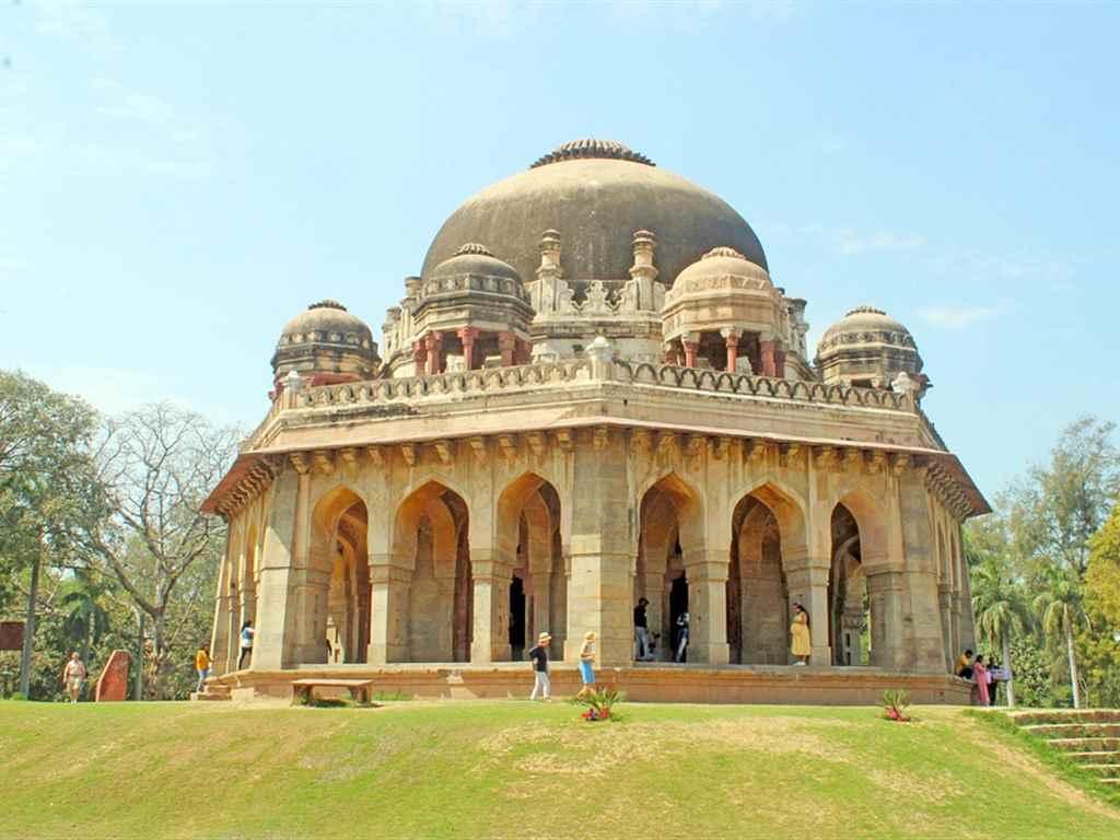 Lodhi Gardens Tourist Place