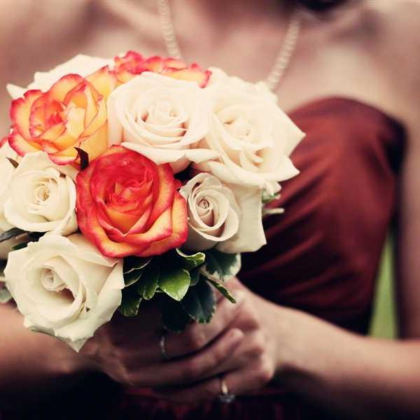 Newlyweds-Honeymoon-Flowers (2)