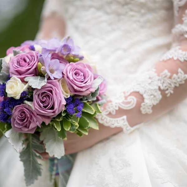 Newlyweds-Honeymoon-Flowers (32)