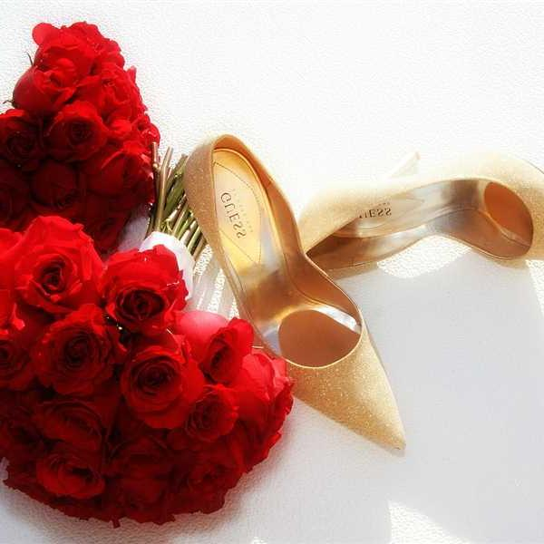 Newlyweds-Honeymoon-Flowers (43)