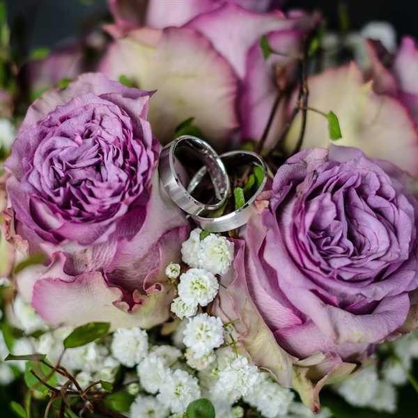 Newlyweds-Honeymoon-Flowers (45)