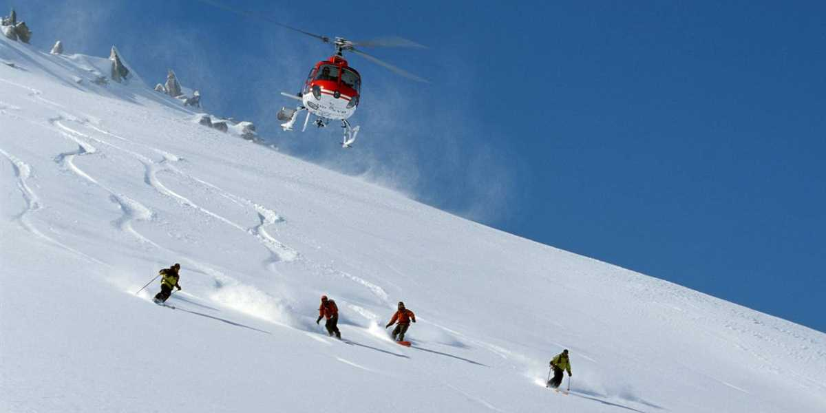 best skiing resort in india