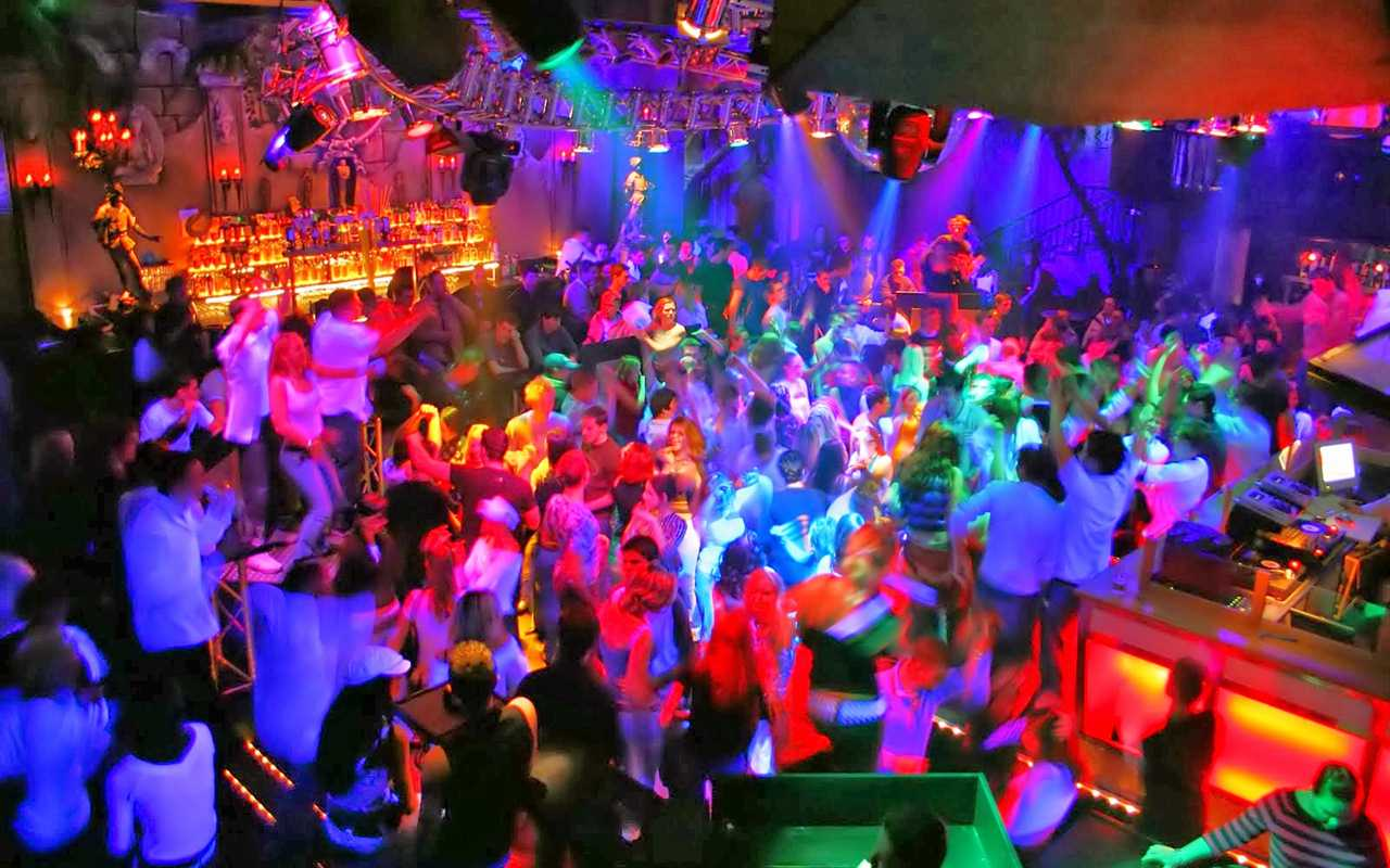 pubs-and-clubs-goa