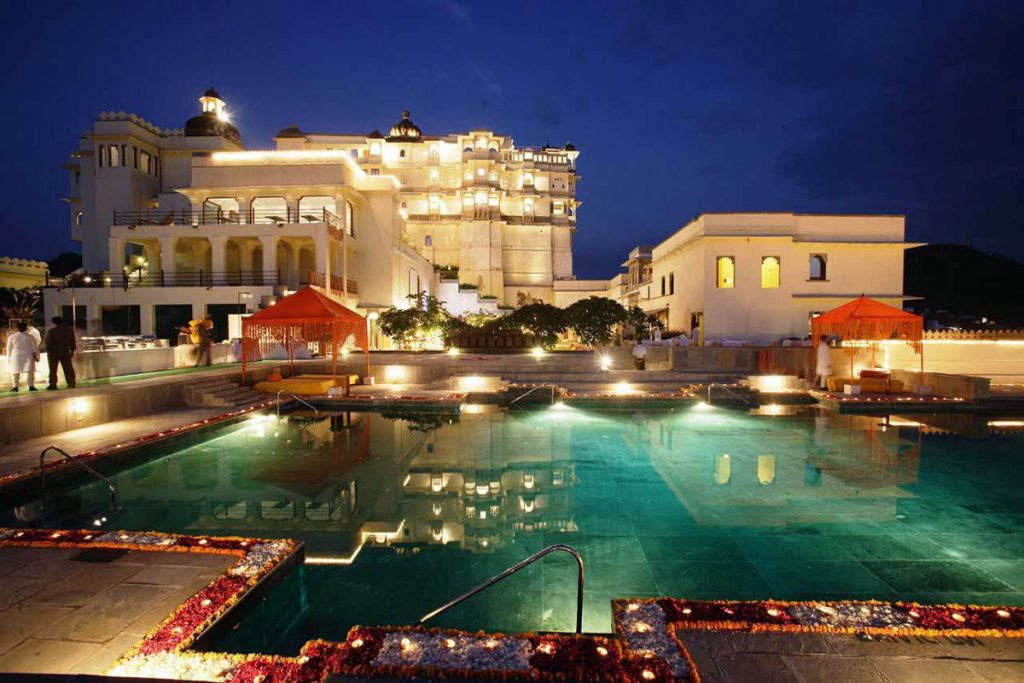 top-10-landmarks-in-india-that-look-mesmerizing-at-night